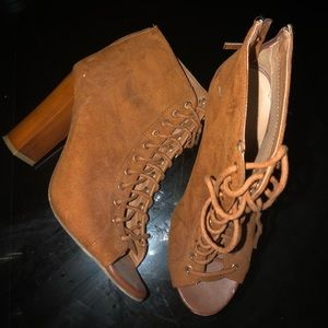 Camel lace booties
